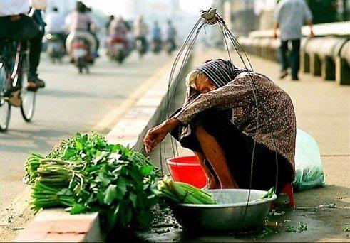 Image result for Bà Mẹ bán rau