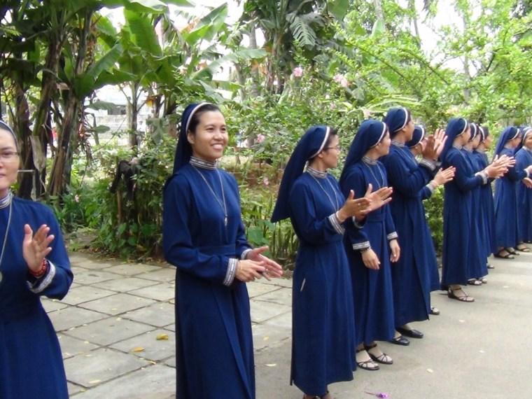 Image result for hinh anh Nữ tu dòng Ảnh vảy Phép lạ ở Kontum